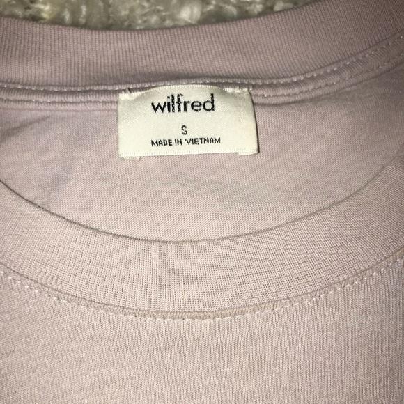 Cropped Aritzia shirt